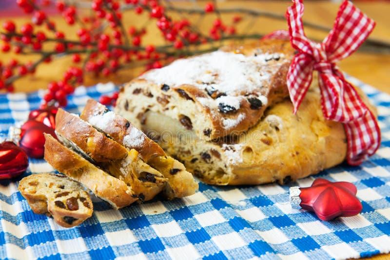Ψωμί σταφίδων για τα Χριστούγεννα στοκ εικόνα