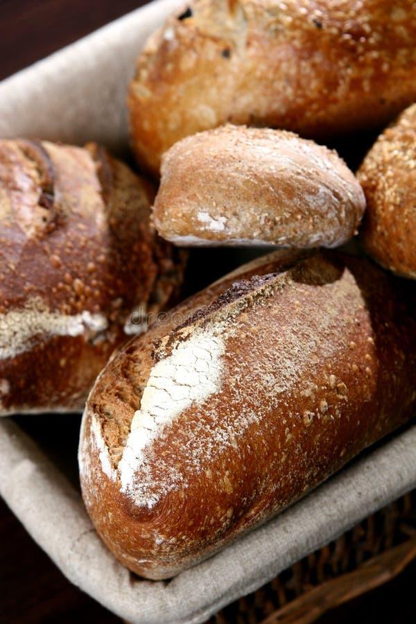 Download ψωμί στοκ εικόνες. εικόνα από σταφίδα, καλαθιών, σίτος - 2229856