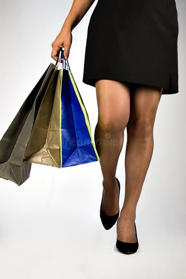 Download ψωνίζοντας γυναίκα στοκ εικόνες. εικόνα από αγοραστής - 2227356