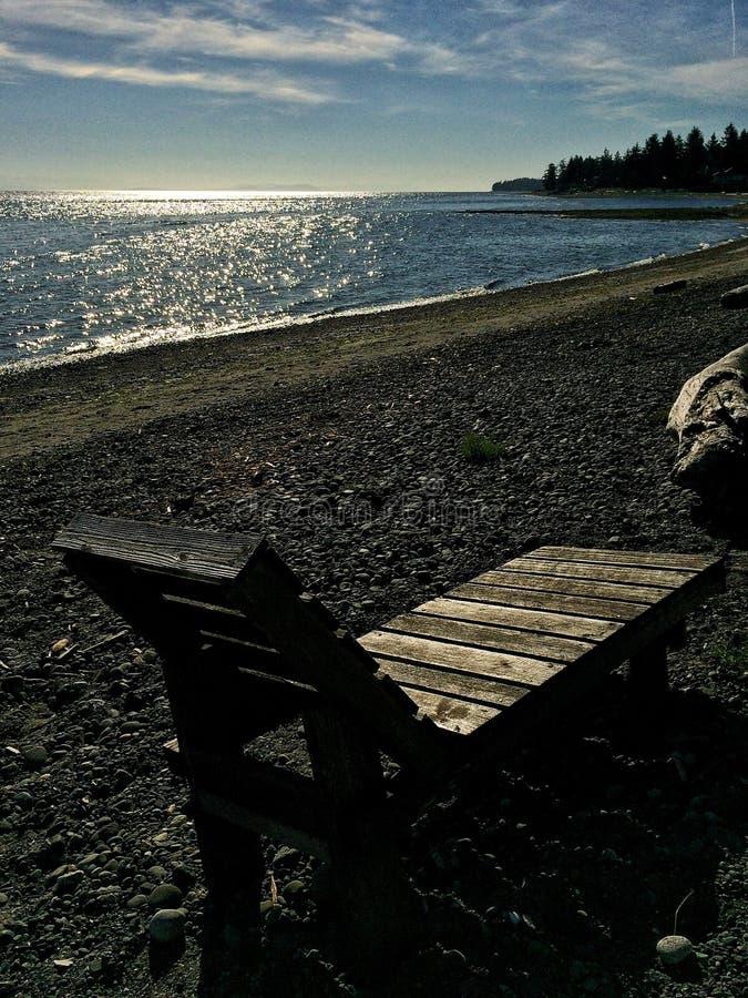 Ωκεάνια καρέκλα παραλιών στοκ εικόνα με δικαίωμα ελεύθερης χρήσης
