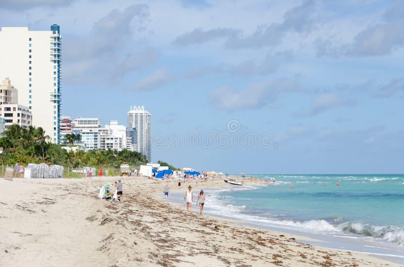 Ωκεάνια παραλία του βόρειου Μαϊάμι δαπανών στοκ φωτογραφία με δικαίωμα ελεύθερης χρήσης