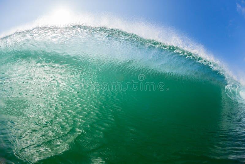 Ωκεάνιες συστάσεις κινηματογραφήσεων σε πρώτο πλάνο κολύμβησης κυμάτων στοκ εικόνες