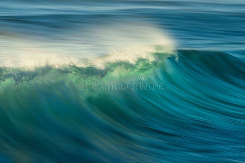 Ωκεάνιο βαρέλι κυμάτων στοκ εικόνα με δικαίωμα ελεύθερης χρήσης