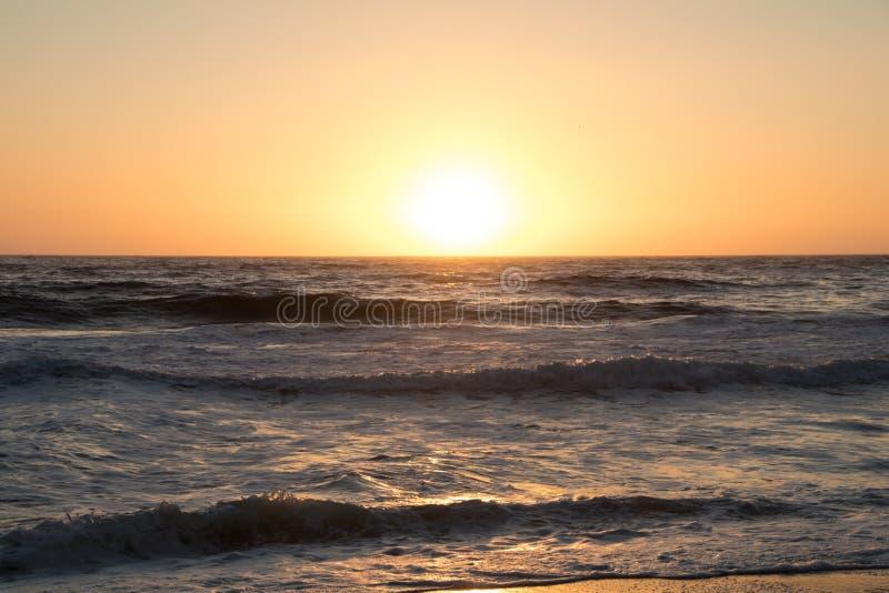 ωκεάνιο ειρηνικό ηλιοβα& στοκ εικόνες με δικαίωμα ελεύθερης χρήσης