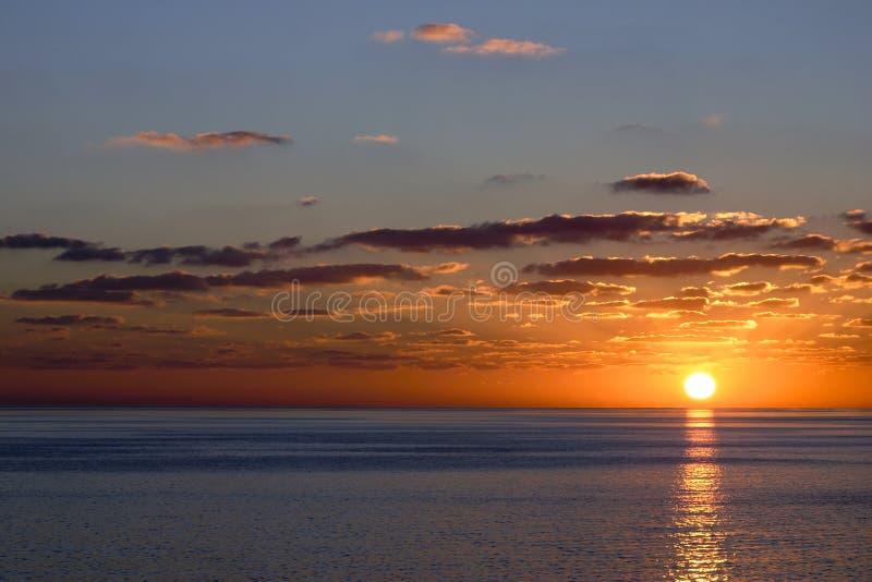 ωκεάνιο ηλιοβασίλεμα στοκ εικόνα με δικαίωμα ελεύθερης χρήσης