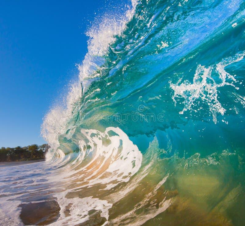 Download ωκεάνιο κύμα στοκ εικόνες. εικόνα από αναψυχή, φύση, ειρηνικός - 22785882