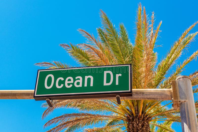 Ωκεάνιο οδικό σημάδι Drive στο Μαϊάμι Μπιτς Φλώριδα στοκ φωτογραφία