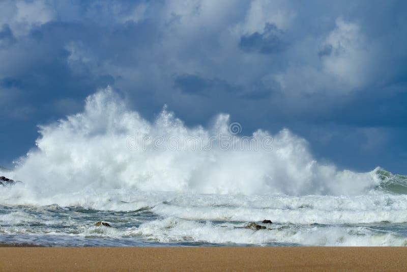 ωκεάνιο ύδωρ όψης ουρανού σύννεφων στοκ εικόνες