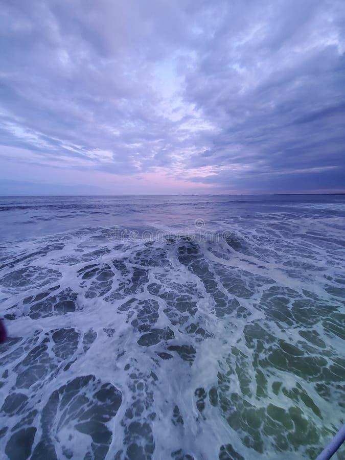 Ωκεανοί μακριά, αλλά όχι τόσο μακριά στην καρδιά στοκ εικόνα με δικαίωμα ελεύθερης χρήσης
