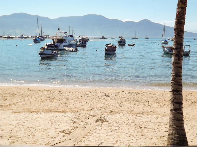 Ωκεανός, άμμος, βάρκες στοκ φωτογραφίες με δικαίωμα ελεύθερης χρήσης