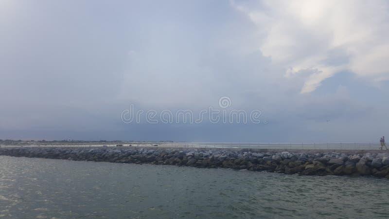 Ωκεανός στη νέα παραλία syrmna στοκ εικόνα