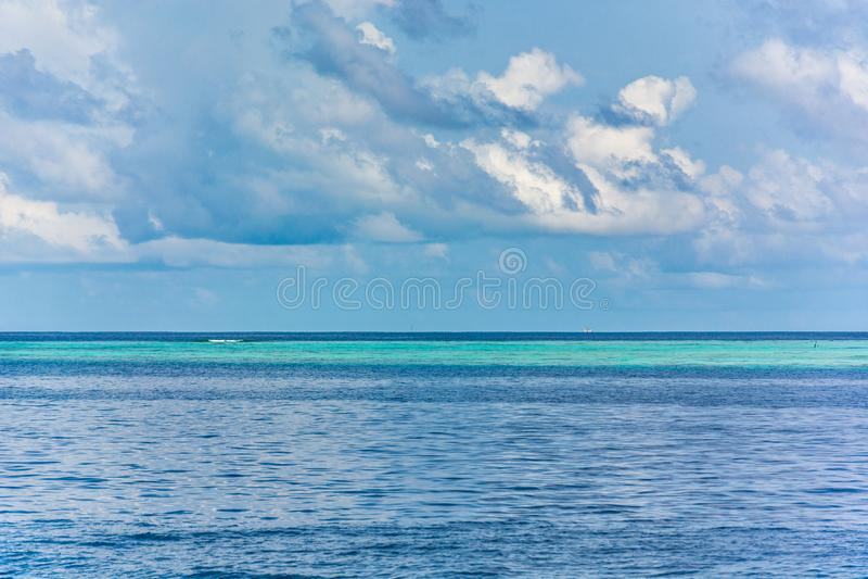 Ωκεανός στο μεγαλείο του στοκ φωτογραφία με δικαίωμα ελεύθερης χρήσης