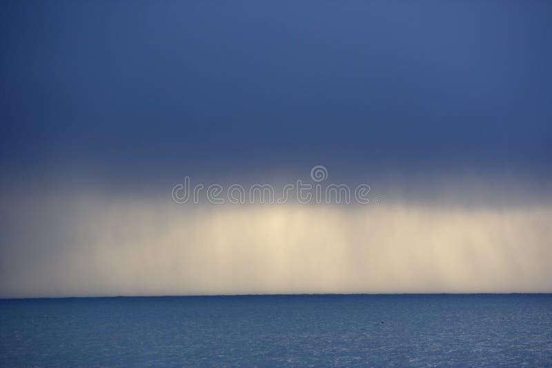 ωκεανός σύννεφων πέρα από τη &t στοκ φωτογραφία