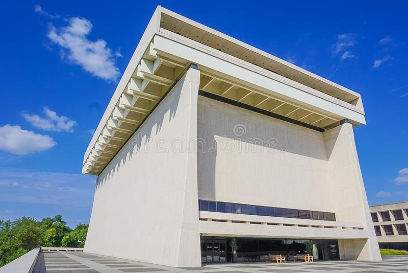 ΩΣΤΙΝ ΤΕΞΑΣ 17 ΣΕΠΤΕΜΒΡΊΟΥ 2017: Το εξωτερικό της βιβλιοθήκης και του μουσείου της Lyndon Β Johnson στοκ φωτογραφία με δικαίωμα ελεύθερης χρήσης