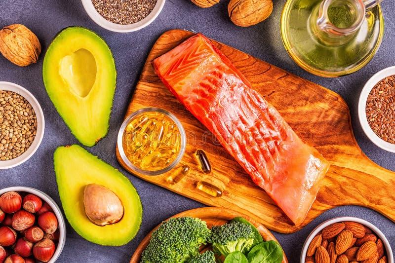 Ω3酸的动物和菜来源 库存照片
