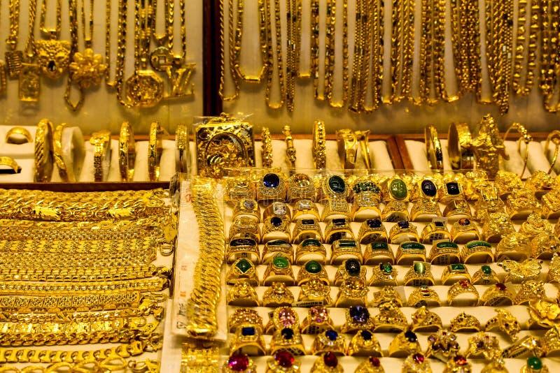 Όλα αυτά ακτινοβολούν χρυσός στοκ εικόνα
