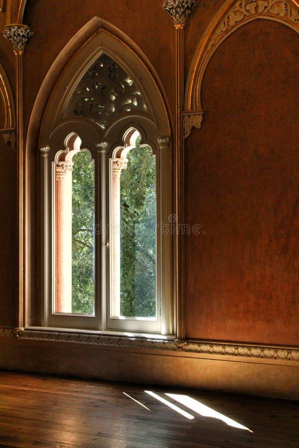Όμορφα δωμάτια με τα arcades και τους στυλοβάτες του παλατιού Monserrate σε Sintra στοκ εικόνες με δικαίωμα ελεύθερης χρήσης
