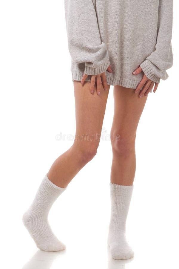 Download Όμορφα θηλυκά πόδια. στοκ εικόνα. εικόνα από ξυπόλυτες - 22775373