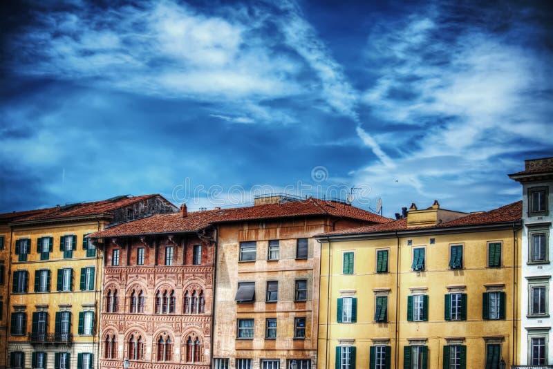 Όμορφα κτήρια στην Πίζα Lungarno στοκ φωτογραφίες