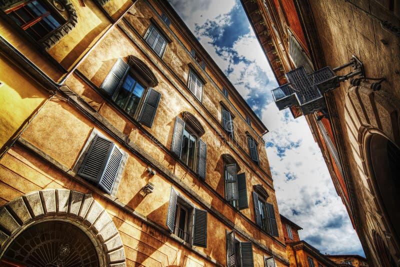 Όμορφα κτήρια στη Σιένα στο hdr στοκ φωτογραφίες με δικαίωμα ελεύθερης χρήσης