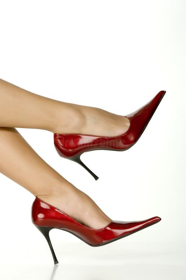 όμορφα κόκκινα παπούτσια π&om στοκ εικόνες με δικαίωμα ελεύθερης χρήσης