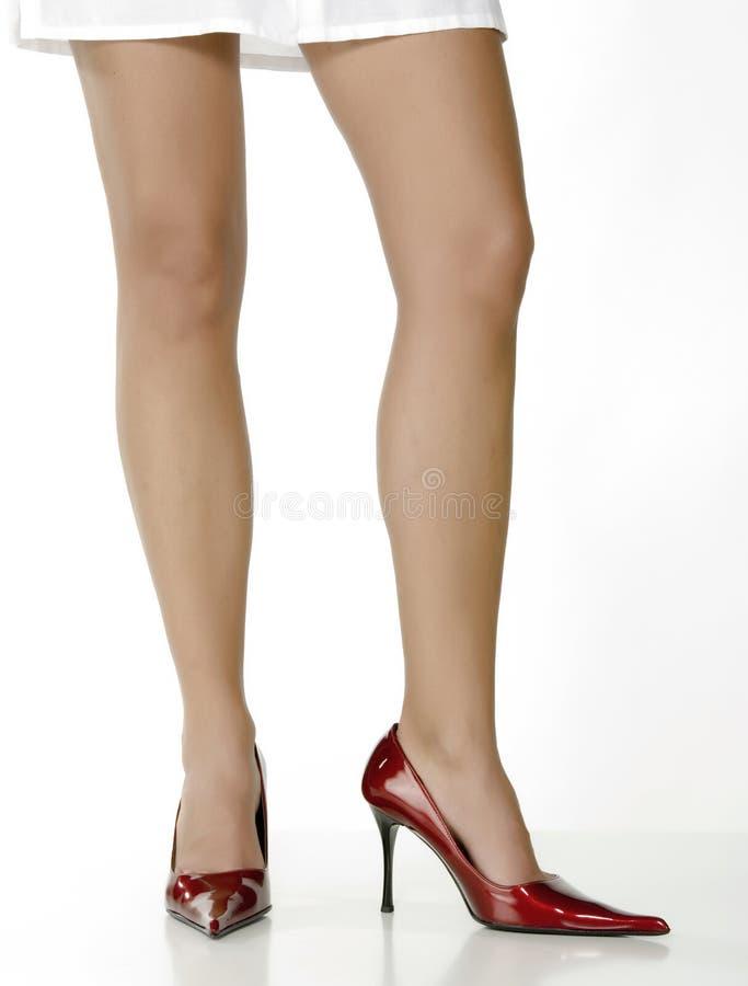 όμορφα κόκκινα παπούτσια π&om στοκ φωτογραφία με δικαίωμα ελεύθερης χρήσης