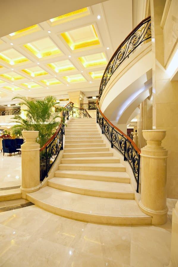 Όμορφα μαρμάρινα σκαλοπάτια στοκ φωτογραφίες