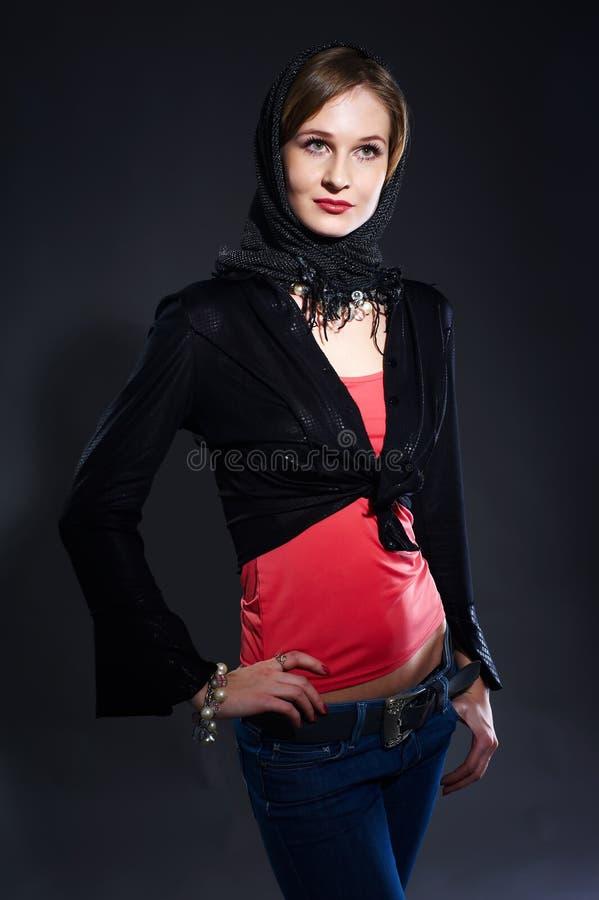 όμορφα μαύρα γάντια κοριτσ&io στοκ φωτογραφίες