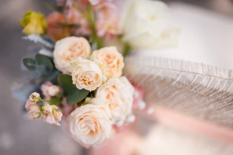 Όμορφα λουλούδια ως διακόσμηση στοκ εικόνες με δικαίωμα ελεύθερης χρήσης