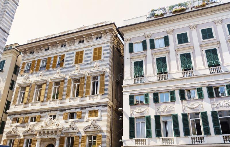 Όμορφα παλαιά κτήρια στην πλατεία Caricamento στην Ιταλία στοκ φωτογραφία