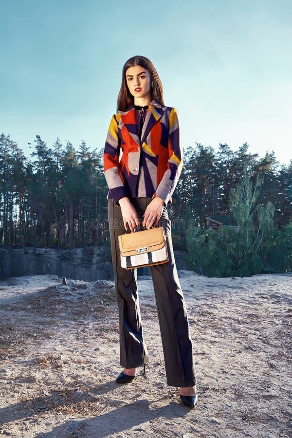 Όμορφα προκλητικά γυναικών glamor μοντέρνα ενδύματα ένδυσης μόδας πρότυπα στοκ φωτογραφία με δικαίωμα ελεύθερης χρήσης