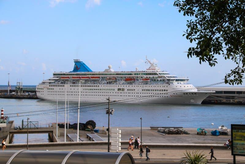 Όμορφα σκάφη και σκάφη της γραμμής κρουαζιέρας στοκ φωτογραφία