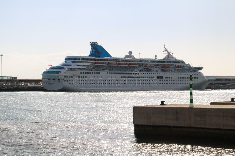Όμορφα σκάφη και σκάφη της γραμμής κρουαζιέρας στοκ εικόνες