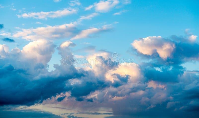 όμορφα σύννεφα ανασκόπηση&sigma στοκ φωτογραφία με δικαίωμα ελεύθερης χρήσης
