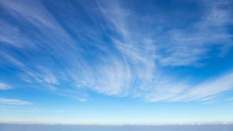 όμορφα cirrus σύννεφα στοκ εικόνα