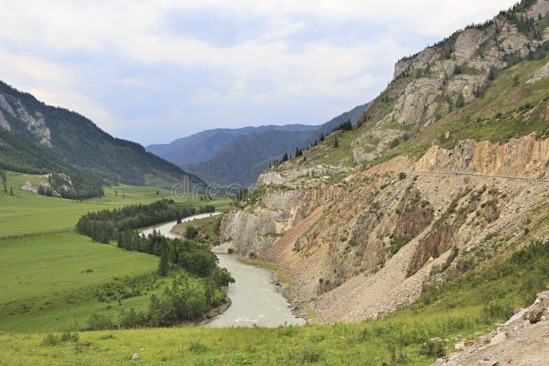 Όμορφες απόψεις του ποταμού Chuya κοντά σε Chuysky Trakt στοκ εικόνα