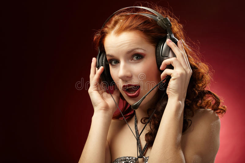 Download όμορφες γυναίκες στοκ εικόνα. εικόνα από τραγούδι, αρκετά - 13186211