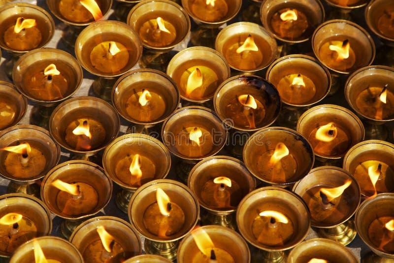 Όμορφες ελαιολυχνίες φωτισμού για τα ινδά και φεστιβάλ Buddist στοκ εικόνα