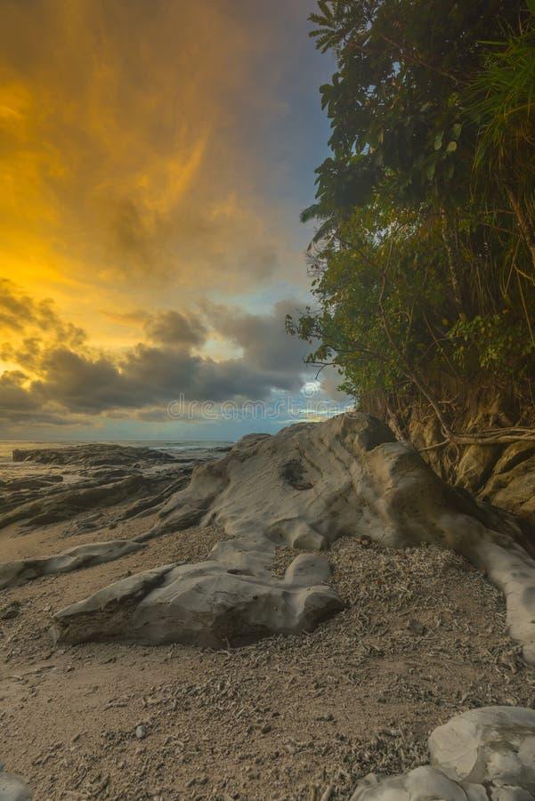 Όμορφες ηλιοβασίλεμα και ανατολή από το νησί mentawai στοκ φωτογραφία με δικαίωμα ελεύθερης χρήσης
