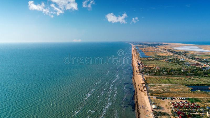 Όμορφες θάλασσα και παραλία στοκ εικόνα με δικαίωμα ελεύθερης χρήσης