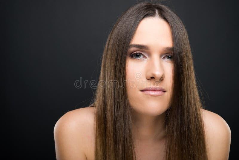 όμορφες νεολαίες γυναικών πορτρέτου κινηματογραφήσεων σε πρώτο πλάνο στοκ εικόνες με δικαίωμα ελεύθερης χρήσης