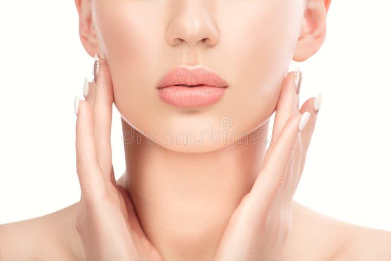 όμορφες νεολαίες γυναικών Χείλια, μέρος του προσώπου Cosmetology, ομορφιά και SPA στοκ φωτογραφίες