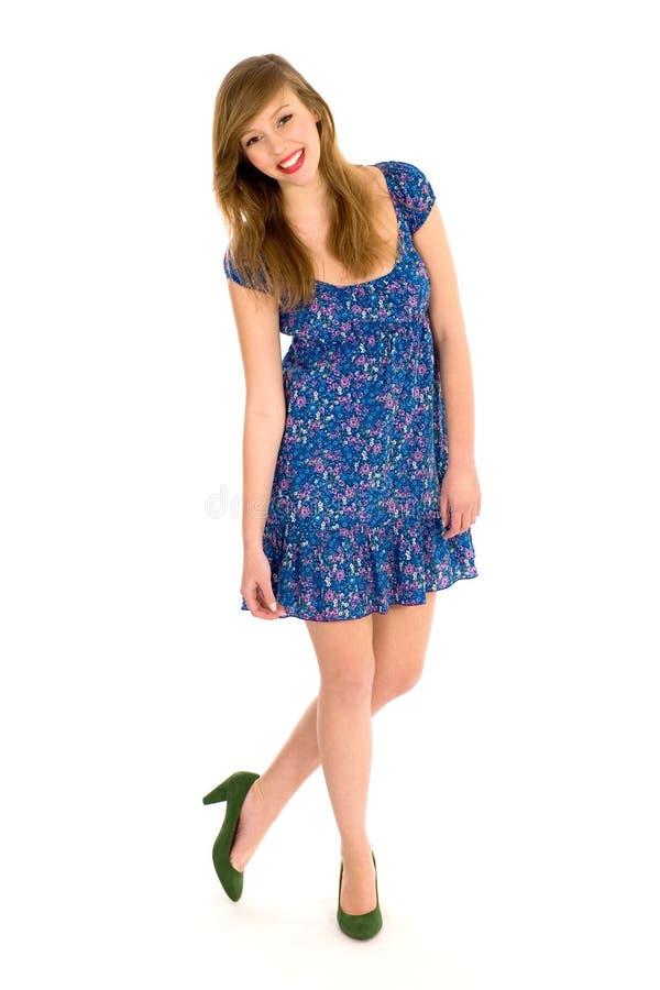 Download όμορφες νεολαίες γυνα&iota στοκ εικόνα. εικόνα από μόδα - 13178349