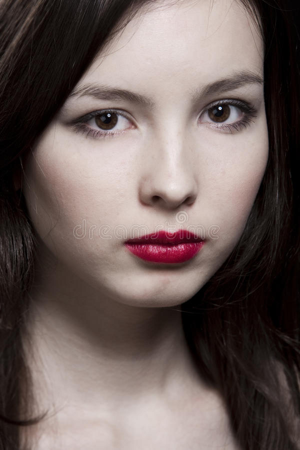 Download όμορφες νεολαίες γυνα&iota στοκ εικόνα. εικόνα από κορίτσι - 13183689