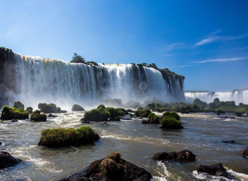 Όμορφες πτώσεις Iguassu στη Βραζιλία, Νότια Αμερική στοκ εικόνες