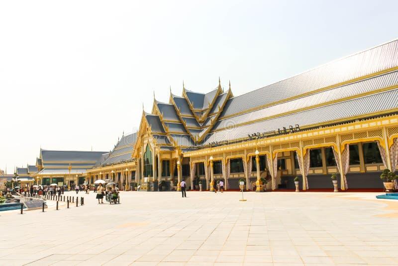 Όμορφες συμπληρωματικές δομές γύρω από το βασιλικό κρεματόριο στις 4 Νοεμβρίου 2017 jpg στοκ εικόνες