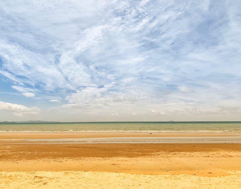 Όμορφες όψεις της παραλίας και της τροπικής θάλασσας Ο ουρανός και το λευκό Juan Summer Asia Travel Idea στοκ φωτογραφίες με δικαίωμα ελεύθερης χρήσης