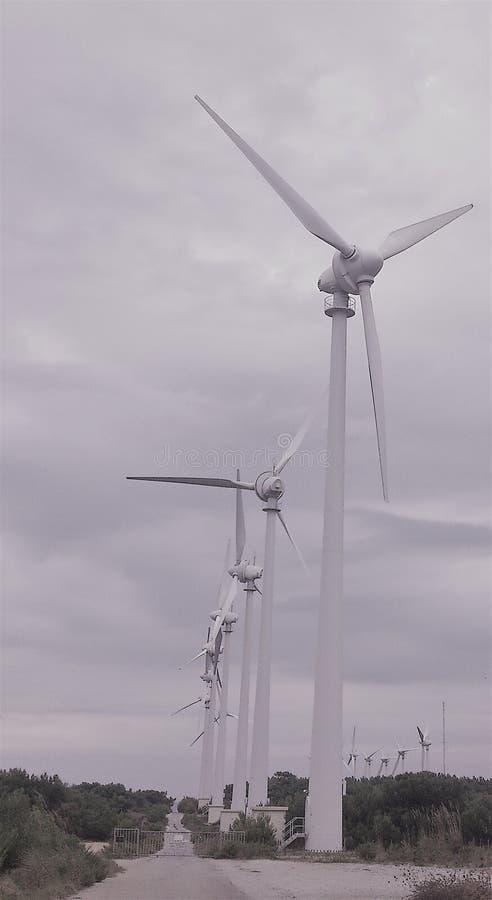 Όμορφη άποψη ανεμόμυλων, ανανεώσιμη ενέργεια στοκ φωτογραφία