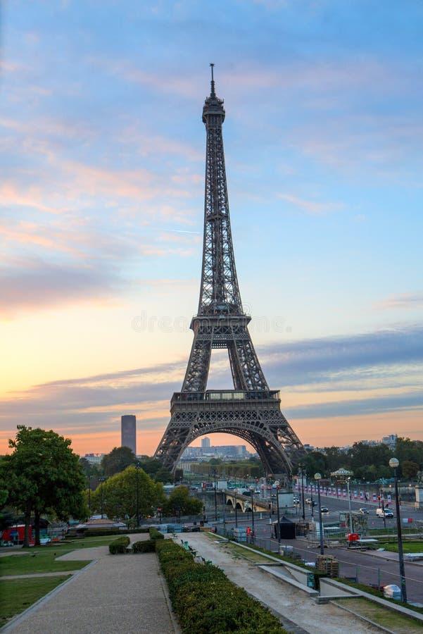 Όμορφη άποψη πρωινού ανατολής του Άιφελ στοκ φωτογραφίες