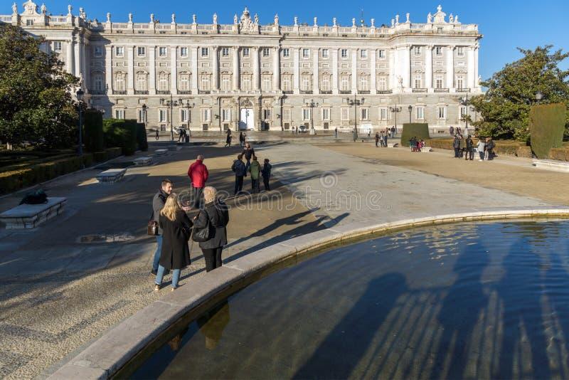 Όμορφη άποψη της πρόσοψης της Royal Palace της Μαδρίτης, Ισπανία στοκ εικόνες
